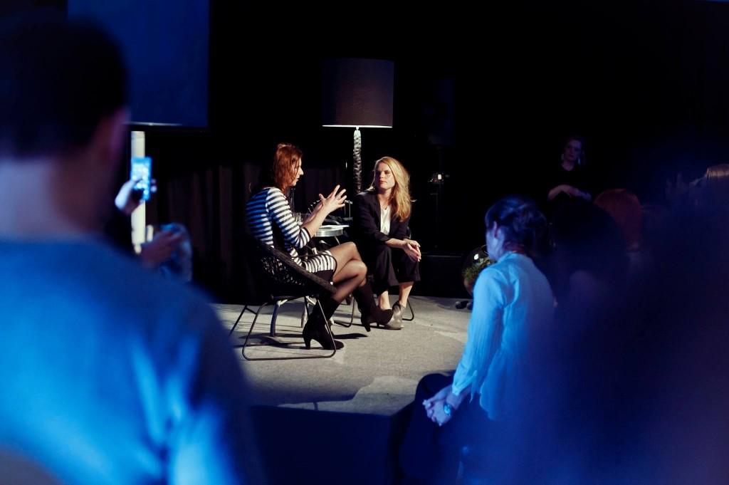 Talking Dress - Marieke Eyskoot. Foto: Sanja for Pup Creative Agency